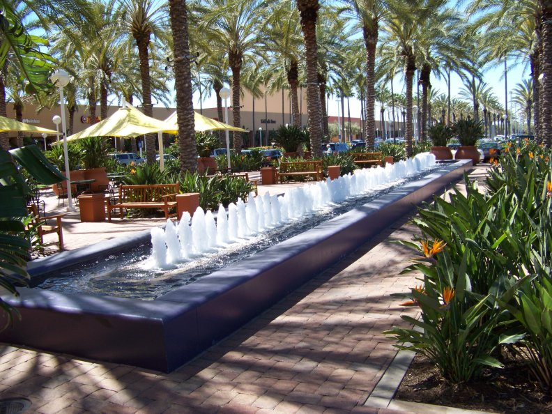 Water fountain in irvine - Rectangle pool with water feature ...